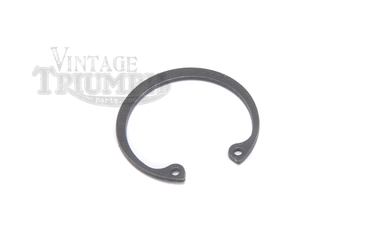 Circlip - Oil Seal. Retains Oil Seal 70-4568 As Used On All Unit 350/500/650/750 Triumph Twins All Years
