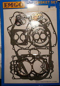 Gasket Set - Full Engine Kit. Contains All Gaskets, O'Rings And Copper Washers To Rebuild Any Year Of Triumph 750 Unit Twin. Fits Triumph Models TR7 Trophy 1973-1983, T140 Bonneville 1973-1983