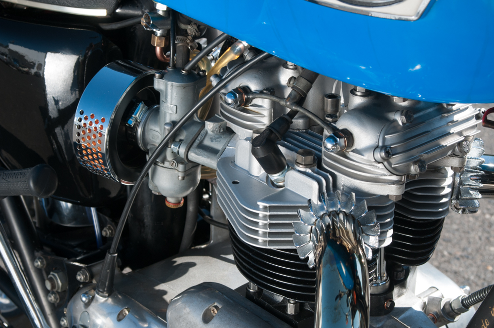 Triumph Motor Cycle 1973 Tiger/Bonneville 750